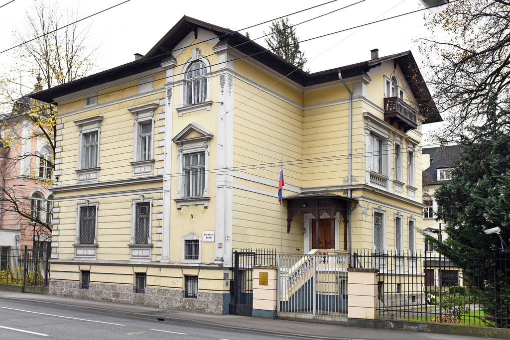 Ein kleines Stückchen Salzburg gehört Russland: Generalkonsulat in der Bürglstei..