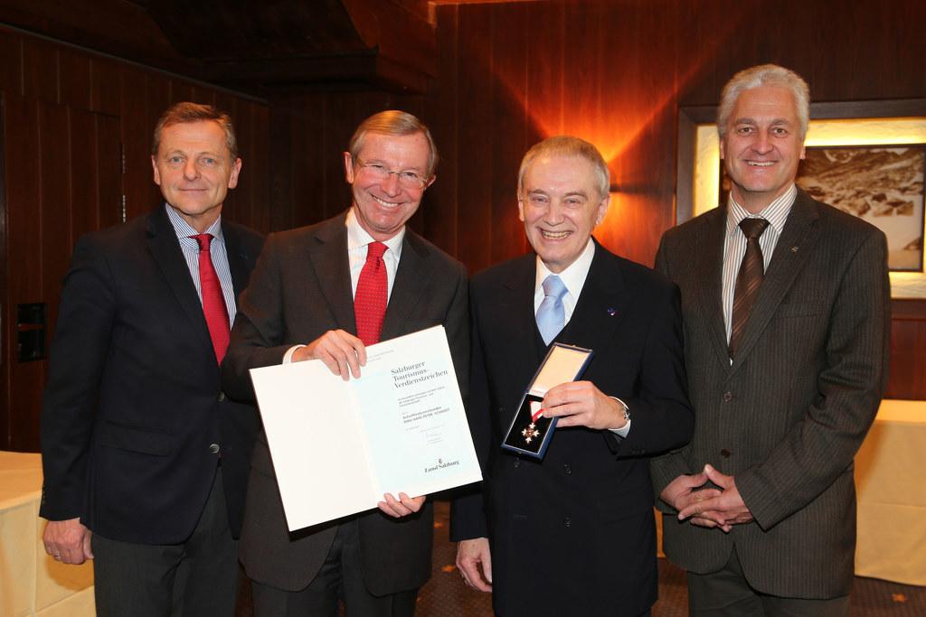 LAbg. Mag. Hans Scharfetter, LH Dr. Wilfried Haslauer, Hans-Peter Schmidt und Bü..