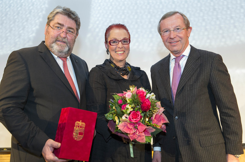 Johann Jungreithmair, Helga Jungreithmair und Landeshauptmann Dr. Wilfried Hasla..