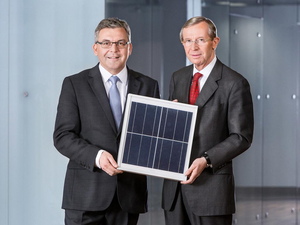 Landesrat Dipl.-Ing. Dr. Josef Schwaiger und Landeshauptmann Dr. Wilfried Haslau..