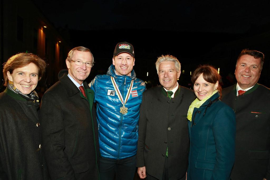 Landtagspräsidentin Dr. Brigitta Pallauf , LH Dr. Wilfried Haslauer, Hannes Reic..