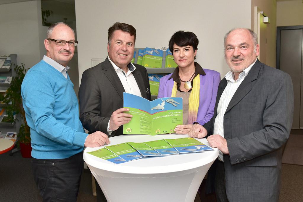 Dipl.-Ing. Peter Haider, Landesrat Hans Mayr, Annemarie Reiter und Reinhard Uray