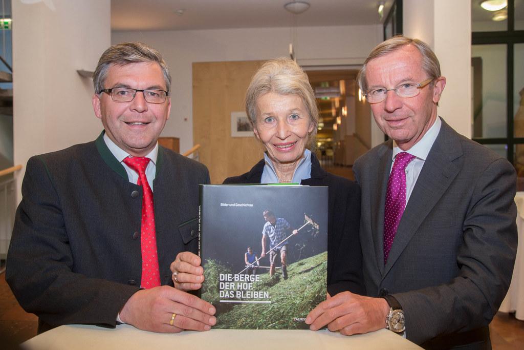 Landesrat Dr. Josef Schwaiger,  Dr. Brita Steinwendtner und Landeshauptmann Dr. ..