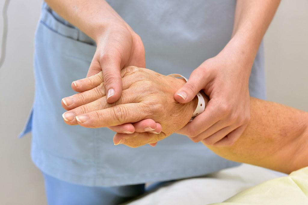 Die gute Betreuung der Menschen in Senioreneinrichtungen steht in Salzburg an ob..