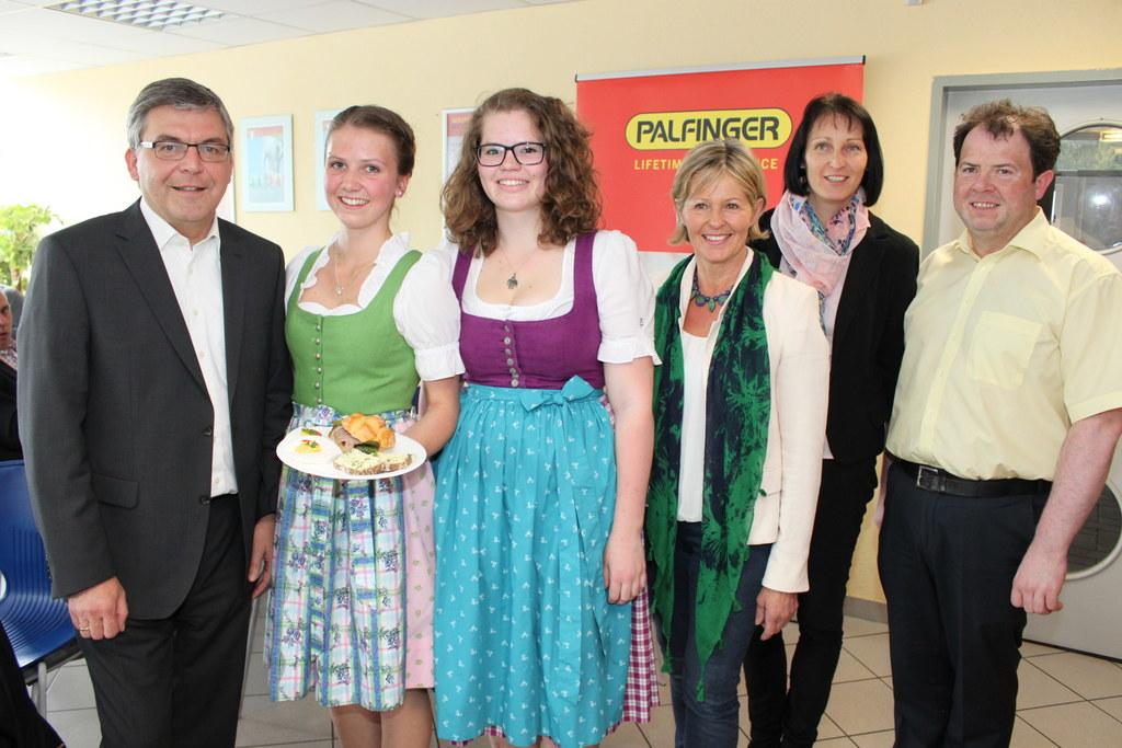 Landesrat Dipl.-Ing. Dr Josef Schwaiger, Anja Maier und Petra Huber von der HWS ..
