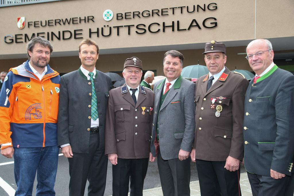 Bernhard Klaushofer (Ortsstellenleiter der Bergrettung), Bezirkshauptmann Harald..