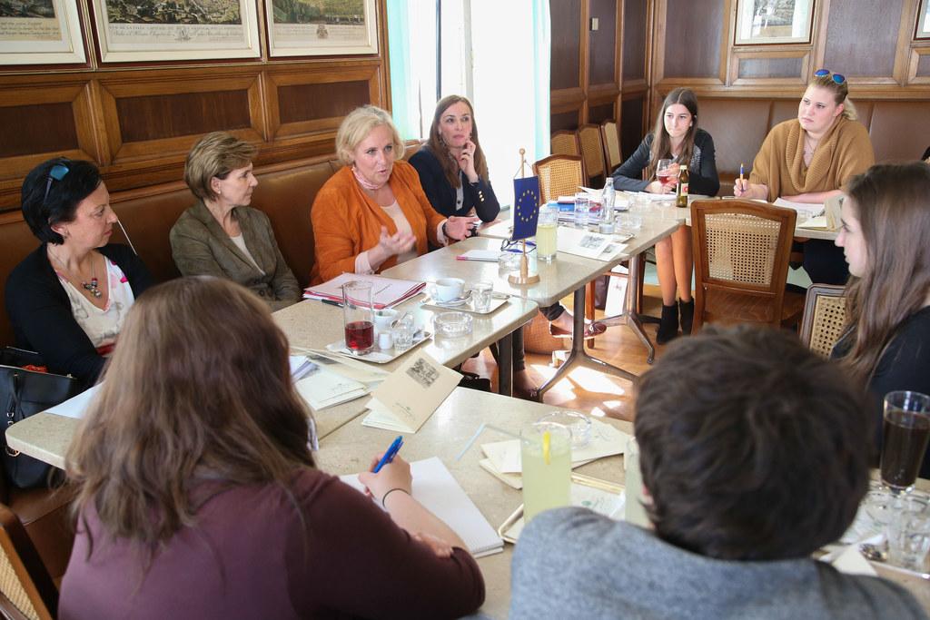 Mag. Grittlind Kettl, Landtagspräsidentin Dr. Brigitta Pallauf, EU Abgeordnete M..
