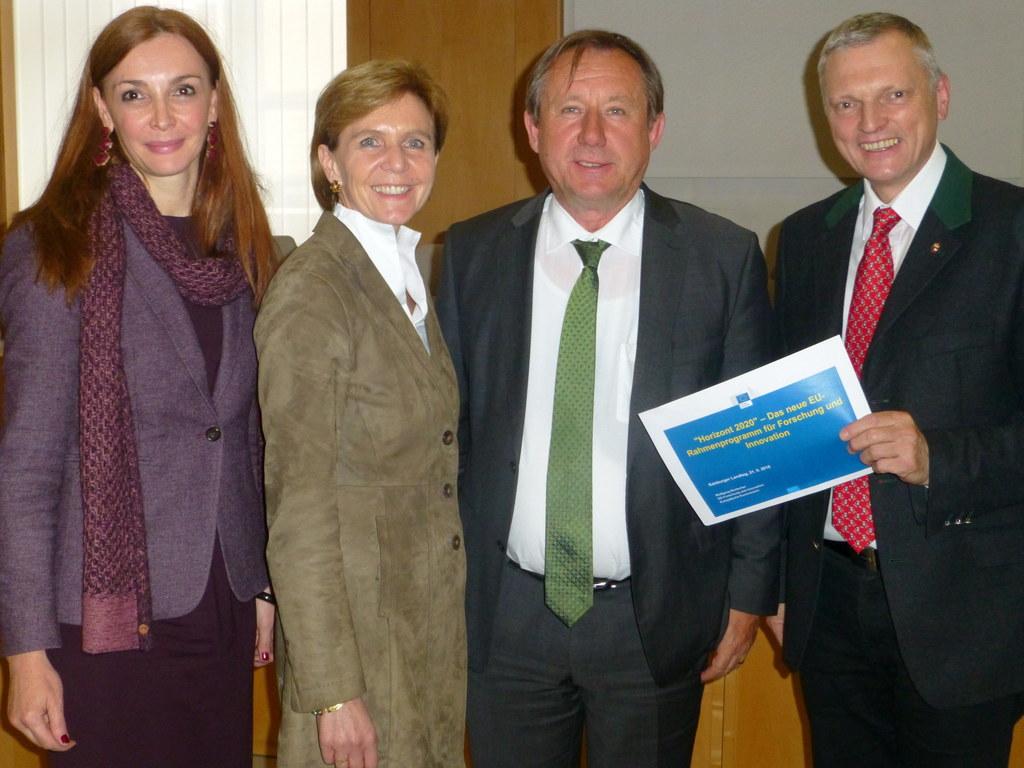 Mag. Michaela Petz-Michez, Landtagspräsidentin Dr. Brigitta Pallauf, Dr. Wolfgan..