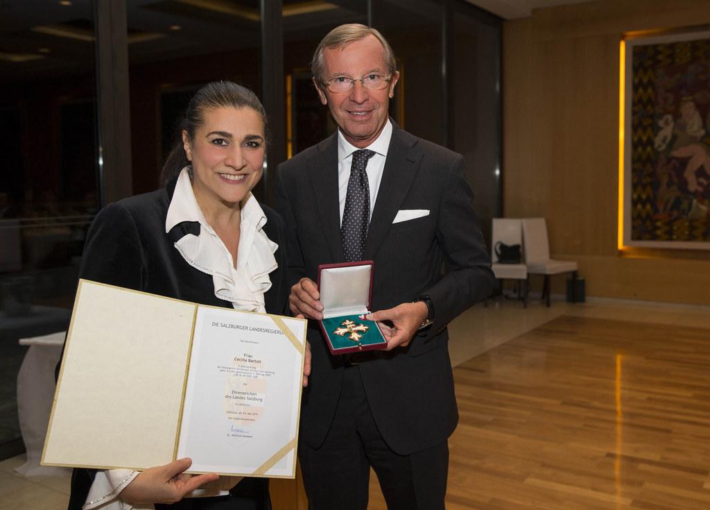Cecilia Bartoli und Landeshauptmann Dr. Wilfried Haslauer