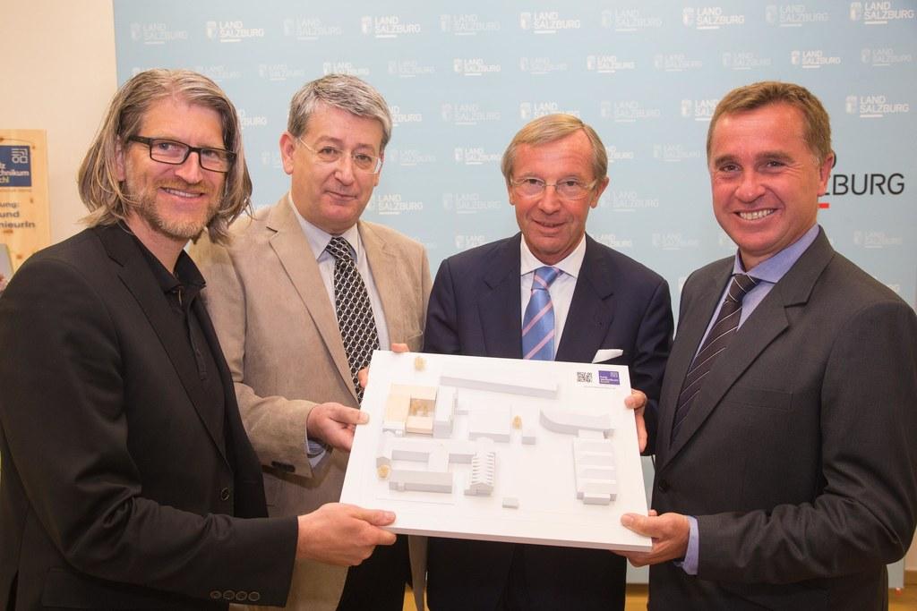 Tom Lechner, Wolfgang Hutter, Landeshauptmann Dr. Wilfried Haslauer und Johannes..