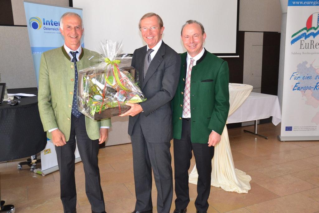 Im Bild v.l.: Johann Hutzinger, LH Wilfried Haslauer und Georg Grabner.