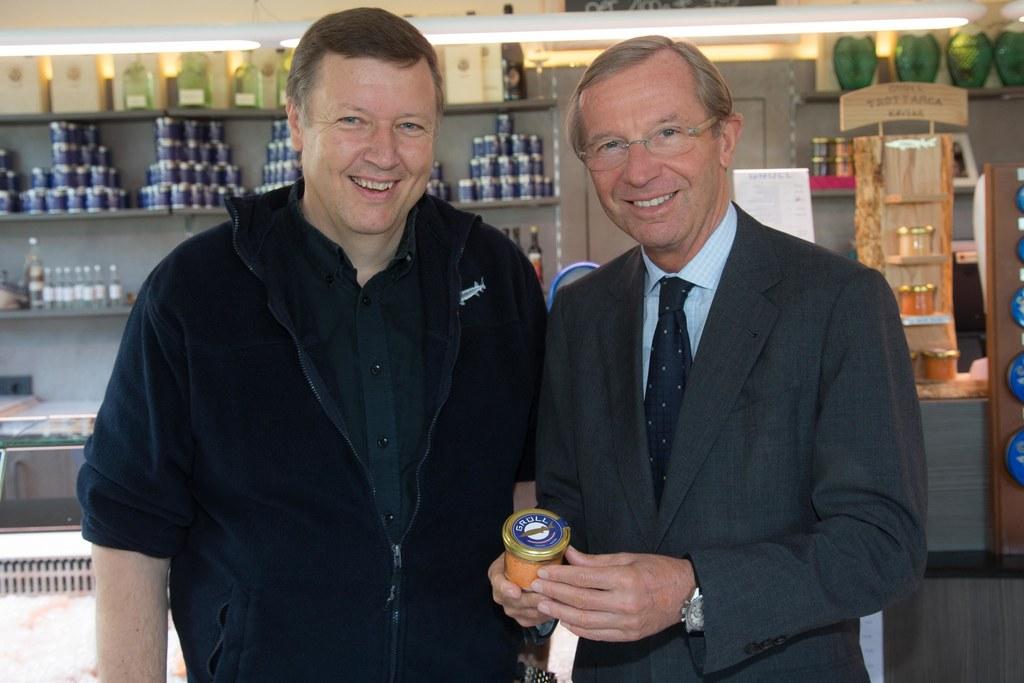 Walter Grüll und Landeshauptmann Dr. Wilfried Haslauer