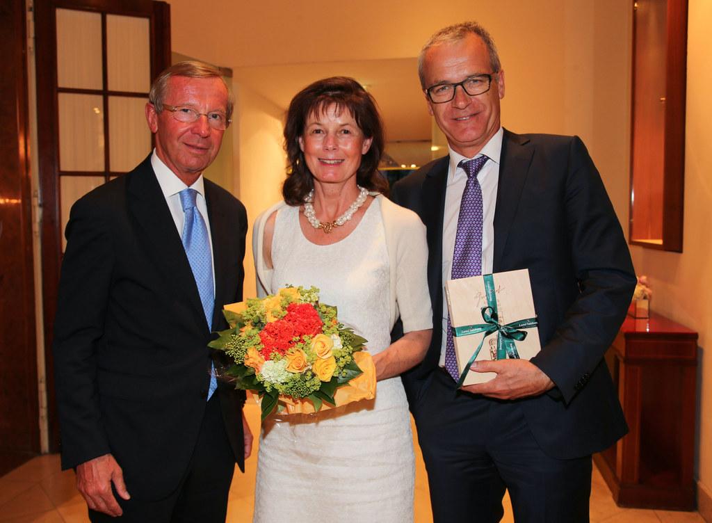 Landeshauptmann Dr. Wilfried Haslauer, Karin Reitsperger und Mag. Hermann Reitsp..