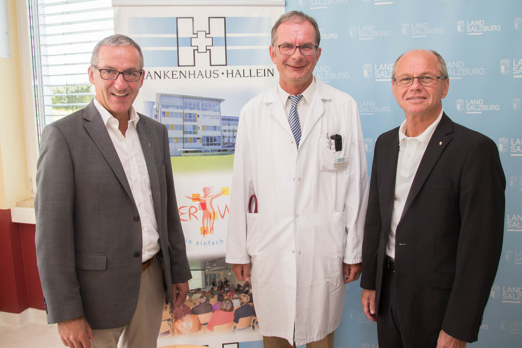 Bgm. Herhard Anzengruber, Primar Dr. Michael Reschen und Landeshauptmann-Stellve..