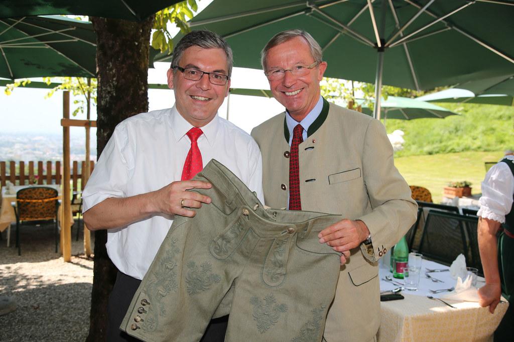 LR Dipl.-Ing. Dr. Josef Schwaiger und LH Dr. Wilfried Haslauer,
