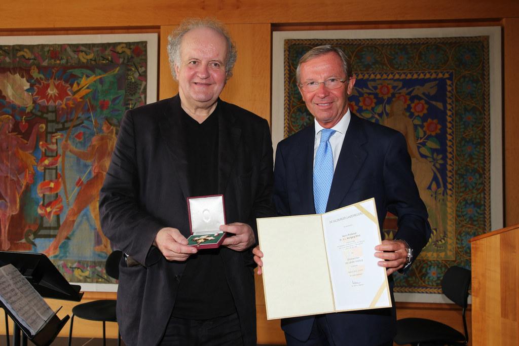 Prof. Dr. h.c. Wolfgang Rihm und  Landeshauptmann Dr. Wilfried Haslauer
