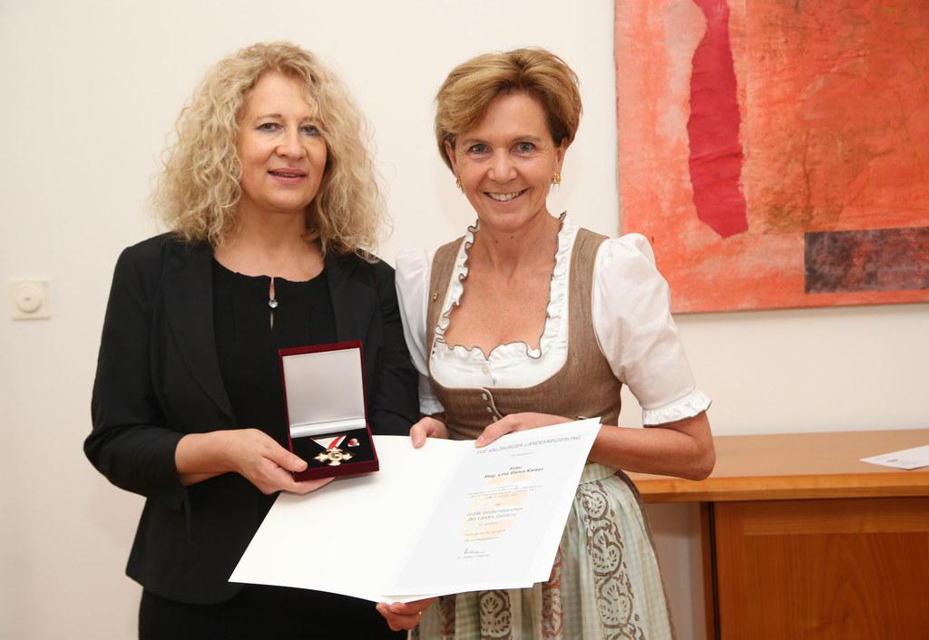 Mag. Lina Kaiser und Landtagspräsidentin Dr. Brigitta Pallauf