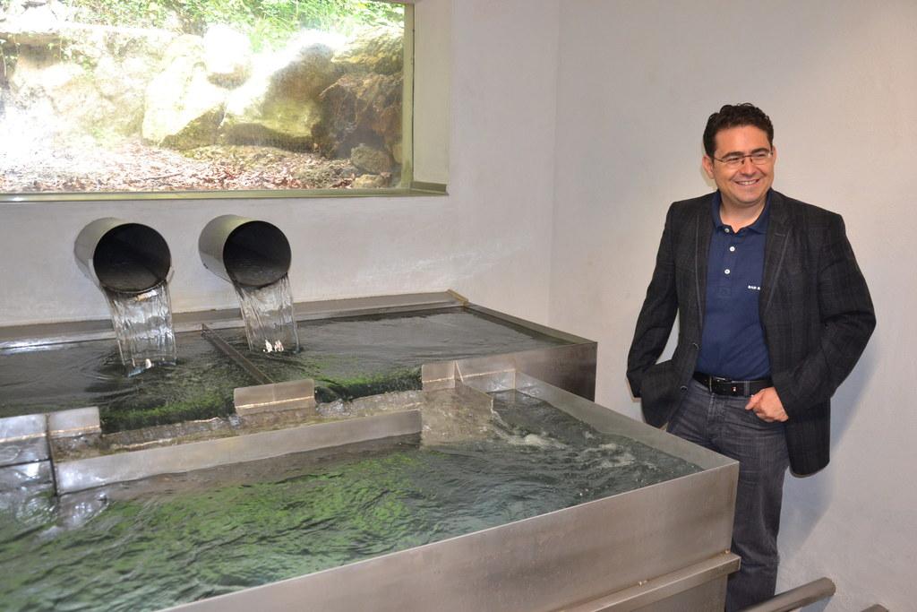 Andreas Steinbacher, Geschäftsführer von Bad Reichenhaller Mineralwasser, neben ..
