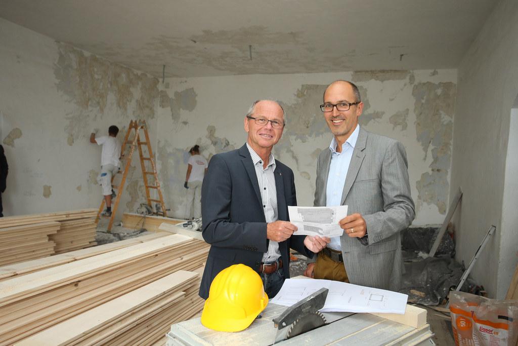 Sanierung der Fürstenzimmer auf der Festung Hohensalzburg, im Bild v. li: LH-Stv..