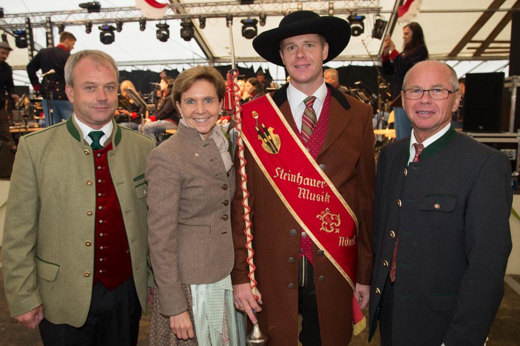 Bgm. Wolfgang Auer,  Landtagspräsidentin Dr. Brigitta Pallauf, Roland Walkner un..