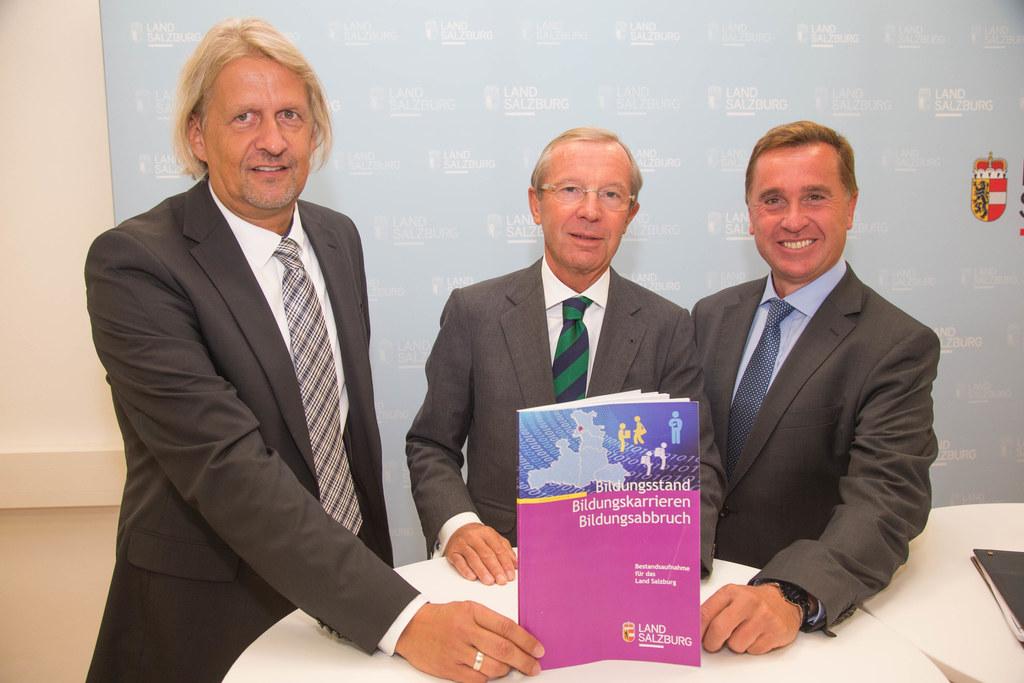 Dr. Gernot Filipp, Landeshauptmann Dr. Wilfried Haslauer und Prof. Mag. Johannes..