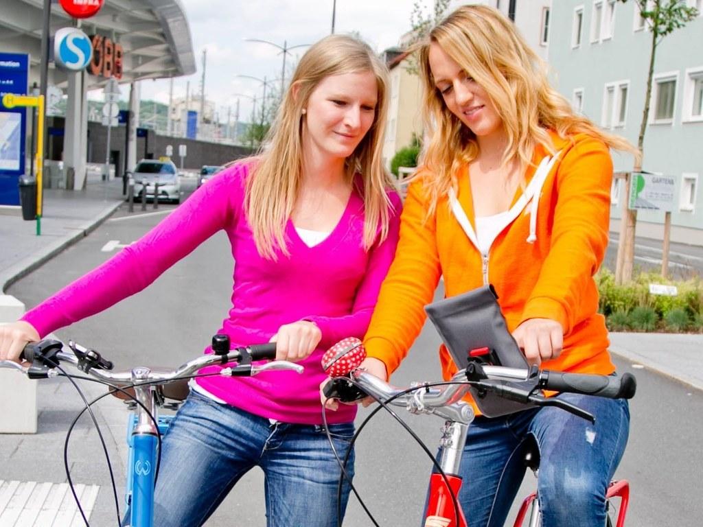 Mit dem Fahrrad kommt man nicht nur sportlicher, sondern auch umweltbewusster vo..