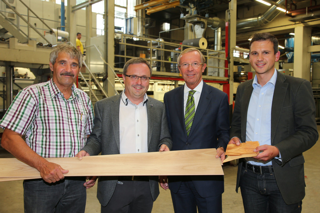 Bgm. ÖR Ing. Josef Schwarzenbacher, Konrad Grünwald CEO Kaindl, LH Dr. Wilfried ..