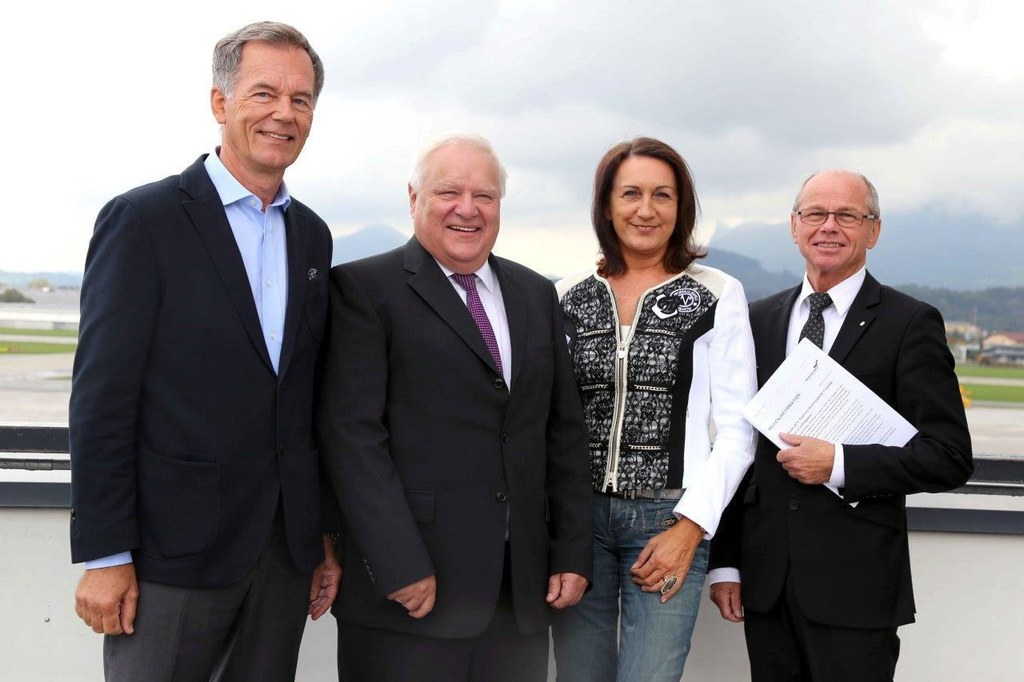 Flughafen-Geschäftsführer Roland Hermann, Mag. Karl Heinz Bohl, IGF-Chefin Mag. ..