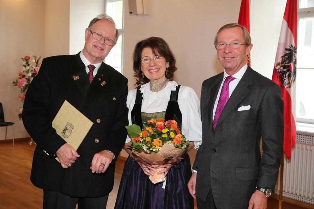 Landesamtsdirektor Dr. Heinrich Christian Marckhgott, Gattin Gisela und LH Dr. W..