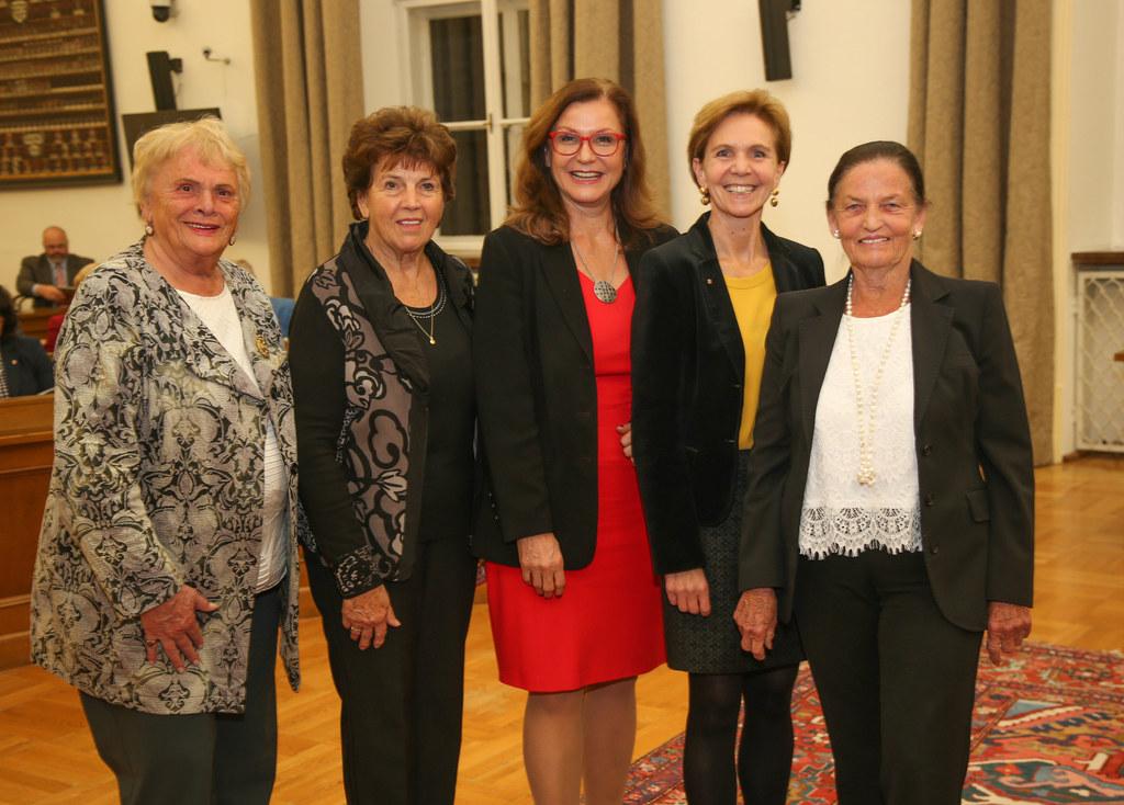 Inge Stuchlik, Maria Bommer, Gudrun Mosler-Törnström, Dr. Brigitta Pallauf und R..