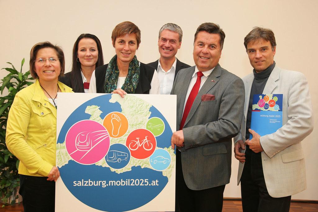 LAbg. Angela Lindner, Allegra Frommer GF Salzburg Verkehr, LH-Stv. Astrid Rössle..