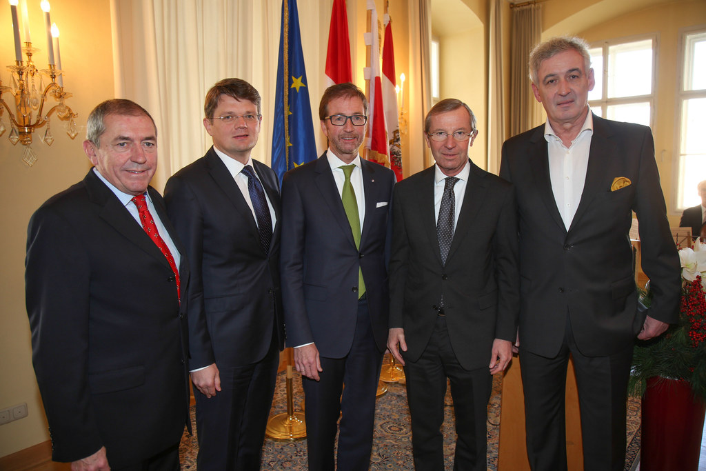 Bürgermeister Heinz Schaden, Botschafter Artur Lorkowski, Konsul Michael Pallauf..