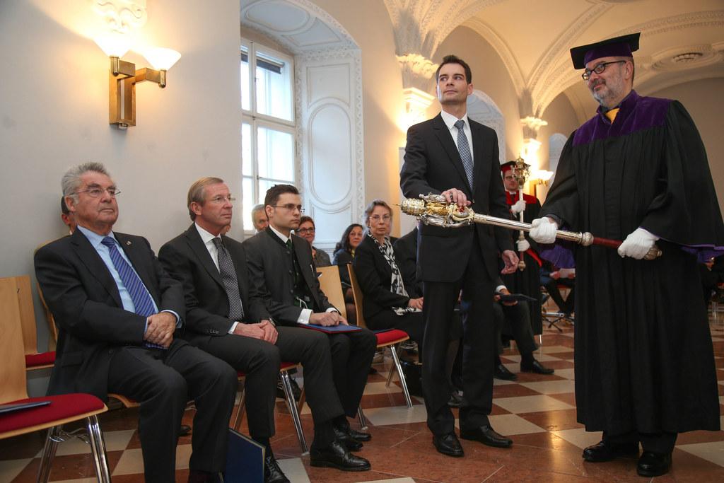 Peter Michael Franz Vogl, links im Bild Bundespräsident Heinz Fischer und Landes..