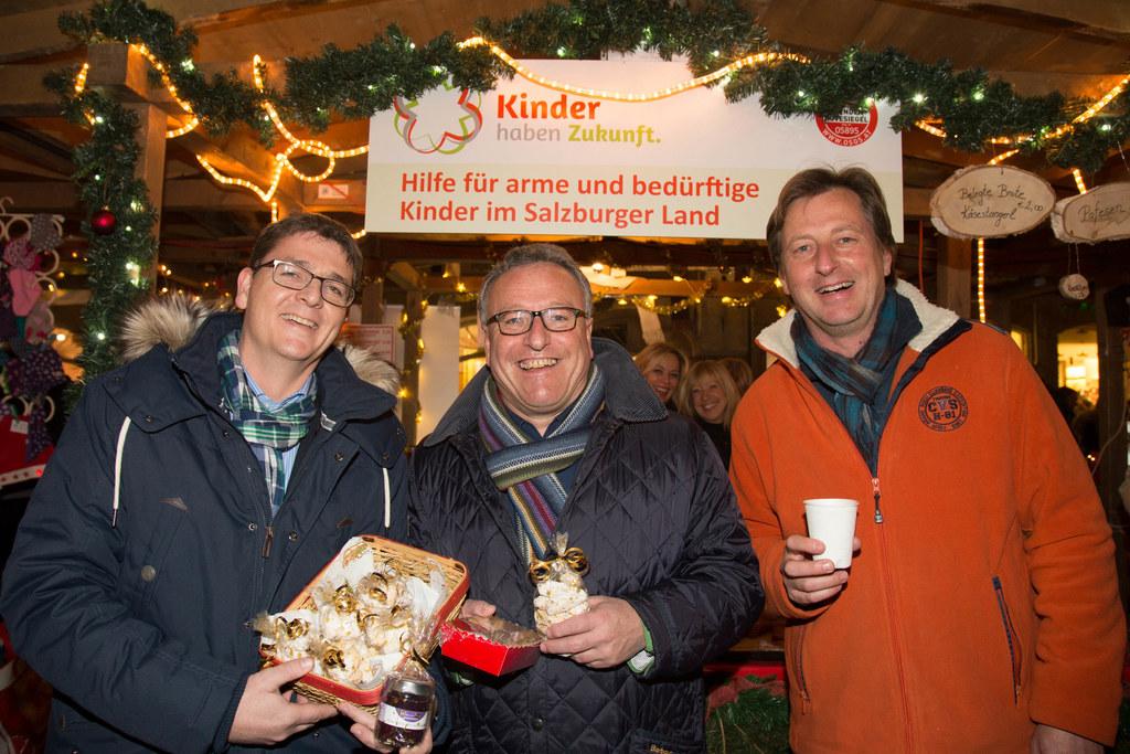 Schon im Vorjahr besuchte Landesrat Heinrich Schellhorn den Weihnachtsstand des ..