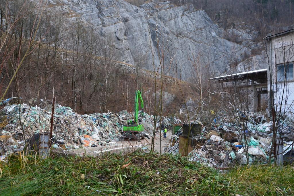 Abfallablagerungen in Golling-Torren