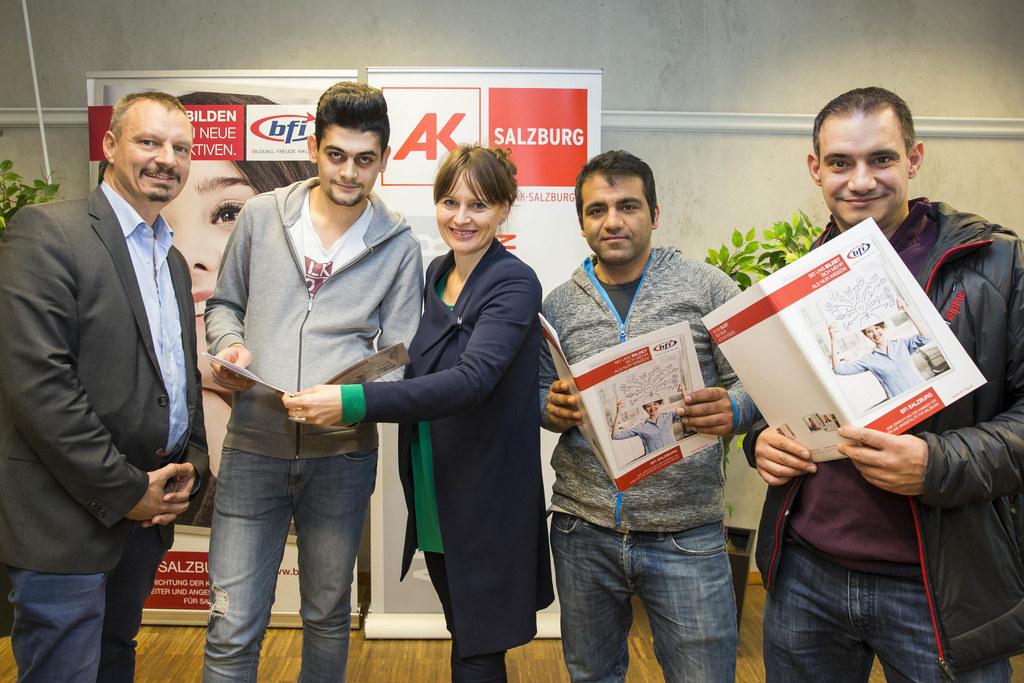 Werner Pichler, Ageed Mohammed, Landesrätin Martina Berthold, Samsor Hazrati und..