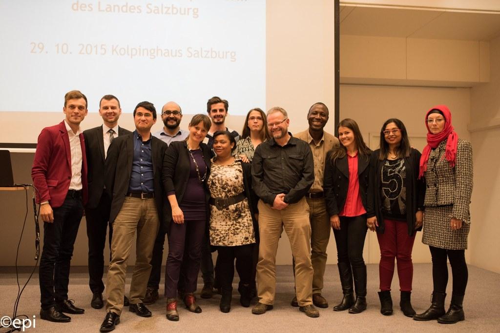 Die Mitglieder der Integrationsplattform mit Landesrätin Martina Berthold