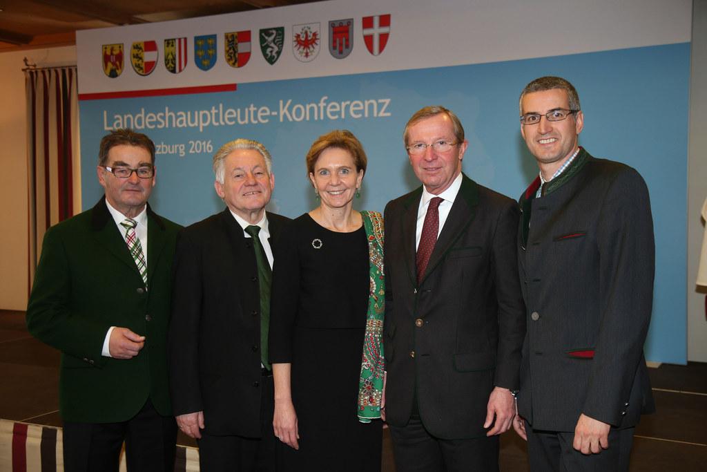 Josef Saller, Josef Pühringer, Brigitta Pallauf, Wilfried Haslauer und Bürgermei..
