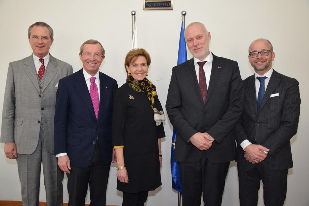 Botschafter Clemens Koja, Landeshauptmann Wilfried Haslauer, Landtagspräsidentin..
