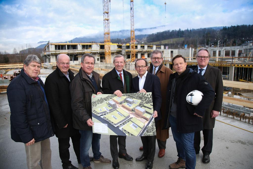 Besuch von Landeshauptmann Wilfried Haslauer auf der Baustelle des Wissenspark U..