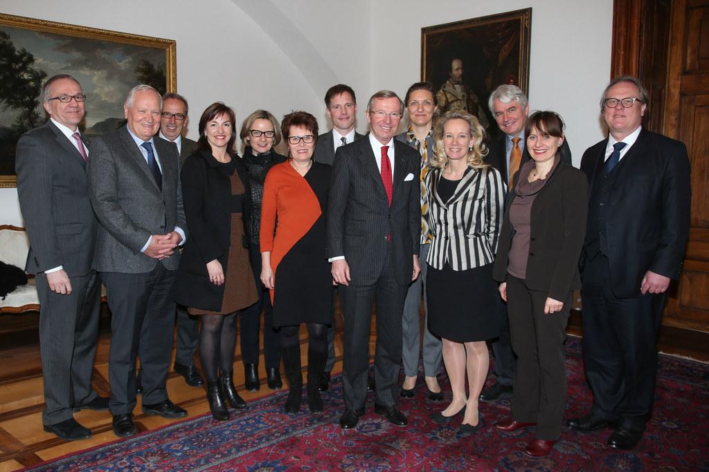 Landeshauptmann Wilfried Haslauer und Landesrätin Martina Berthold mit Vertreter..