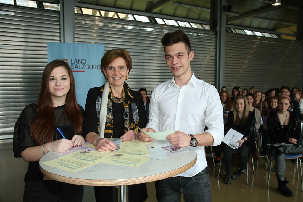 Vorbereitung für Jugendlandtag im Landesberufsschülerheim Hallein, im Bild v. li..