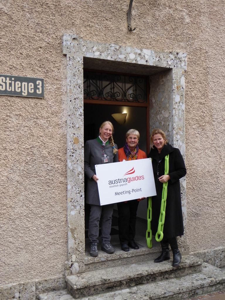 Die Leiterin der Salzburg Guides, Inez Reichl-de Hoogh (r.), mit den Kolleginnen..