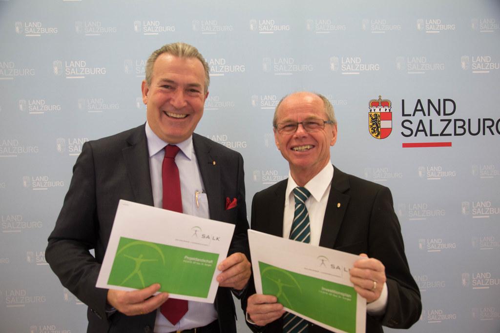 Investitionsplan SALK, Paul Sungler und Landeshauptmann-Stellvertreter Christian..