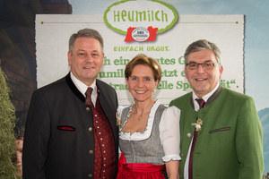 Landesrat Josef Schwaiger und Landtagspräsidentin Dr. Brigitta Pallauf bei der H..