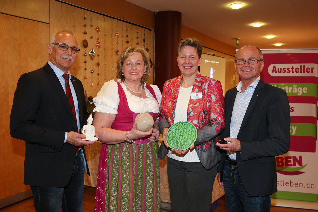 Bgm. Günther Mitterer, Rose Harlander und Andrea Pfleger Veranstalterinnen und L..