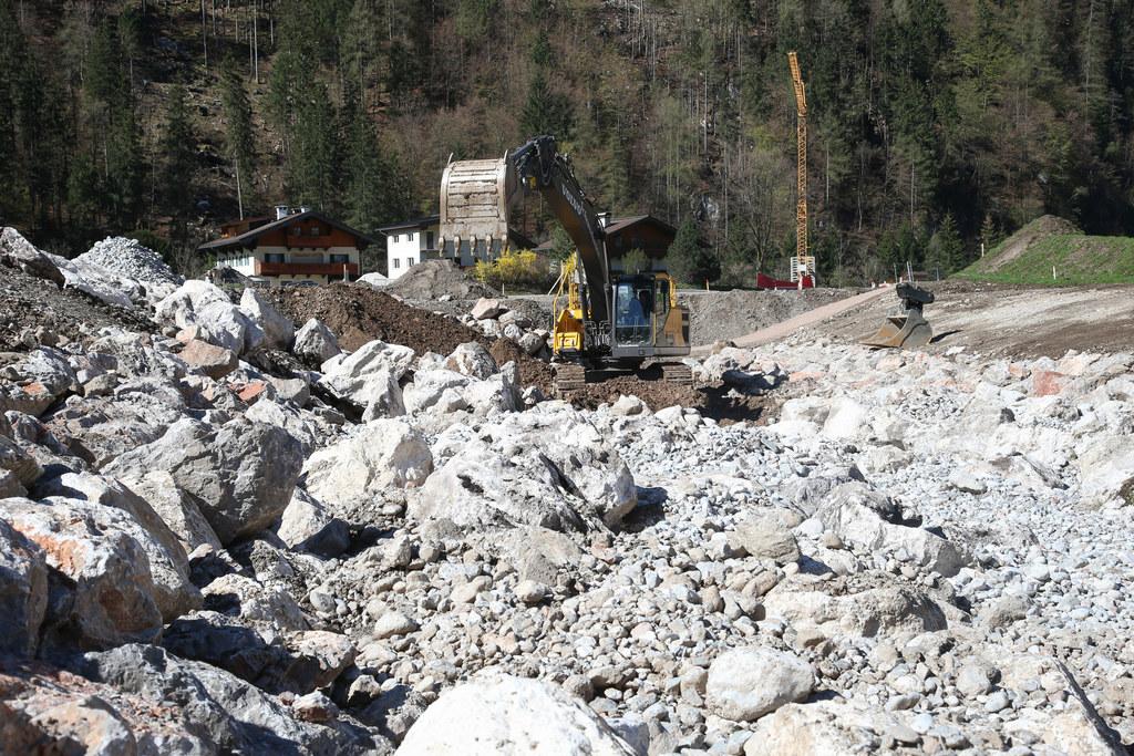 Baustelle Hochwasserschutz Saalach-Weißbach