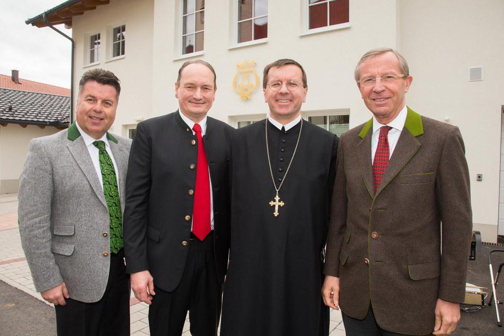 Landesrat Hans Mayr, Bgm. Adolf Hinterhauser, Abt. Johannes Perkmann und Landesh..