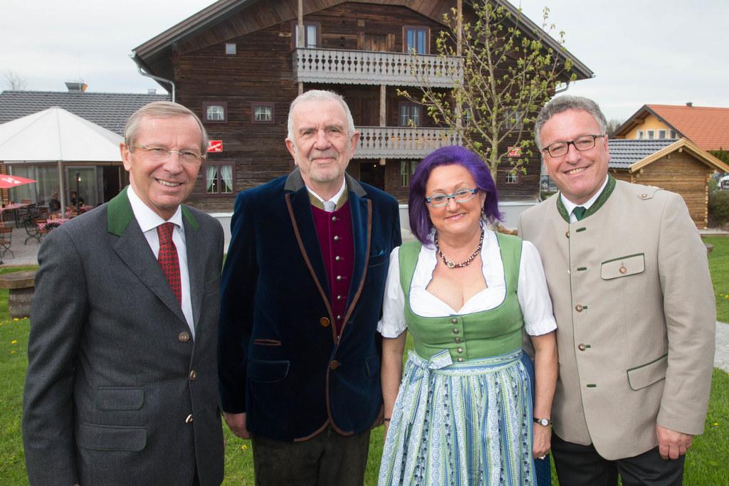 Landeshauptmann Wilfried Haslauer, Werner Fritz, Sissy Fritz und Landesrat Heinr..