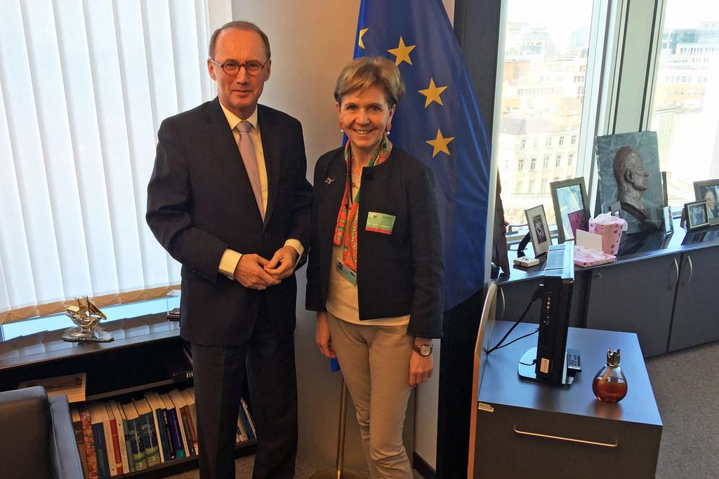 Othmar Karas, Vizepräsident des Europäischen Parlaments und Landtagspräsidentin ..